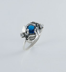 Кольцо серебряное Яблоневый цвет (19047с)