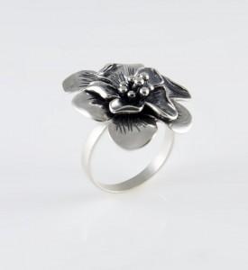Кольцо серебряное с чернением Жасмин (19824)